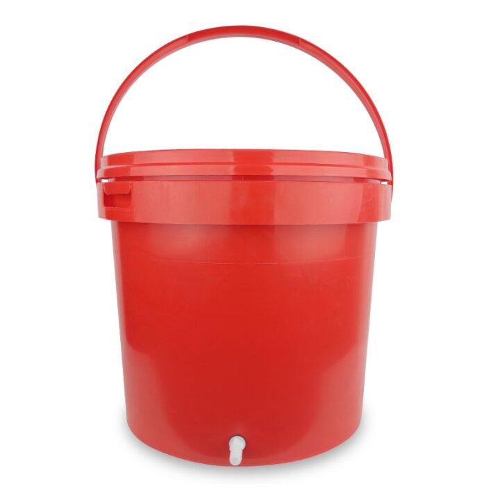 Wassertank mit Schlauchanschluss